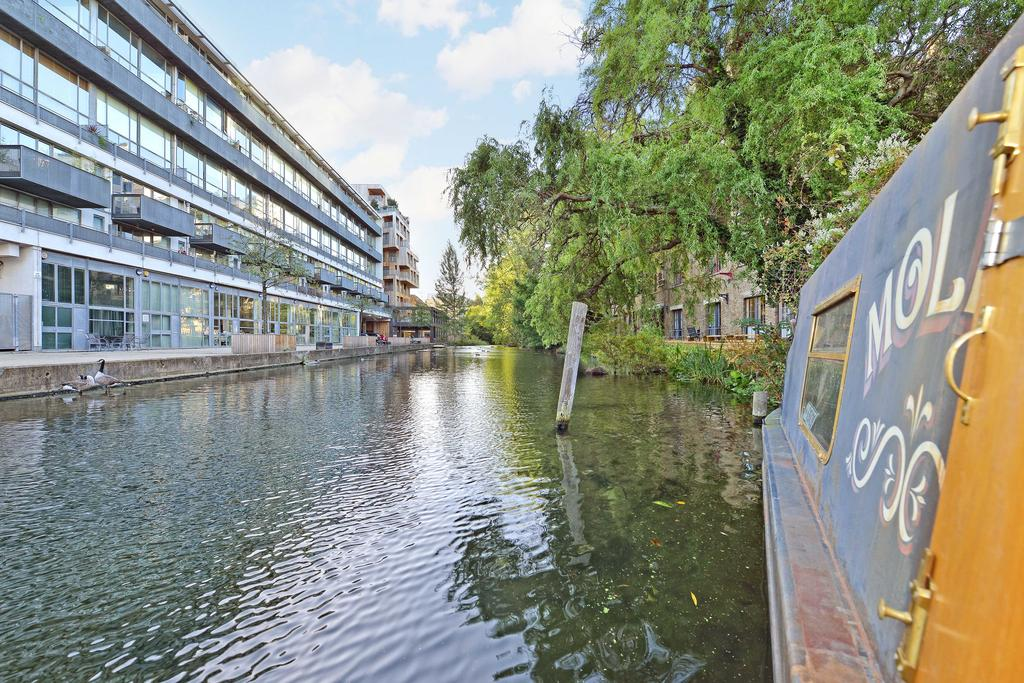 1 Bedroom House Boat Character Property for sale in 'Mollie' Wenlock Basin, Wharf Road, London
