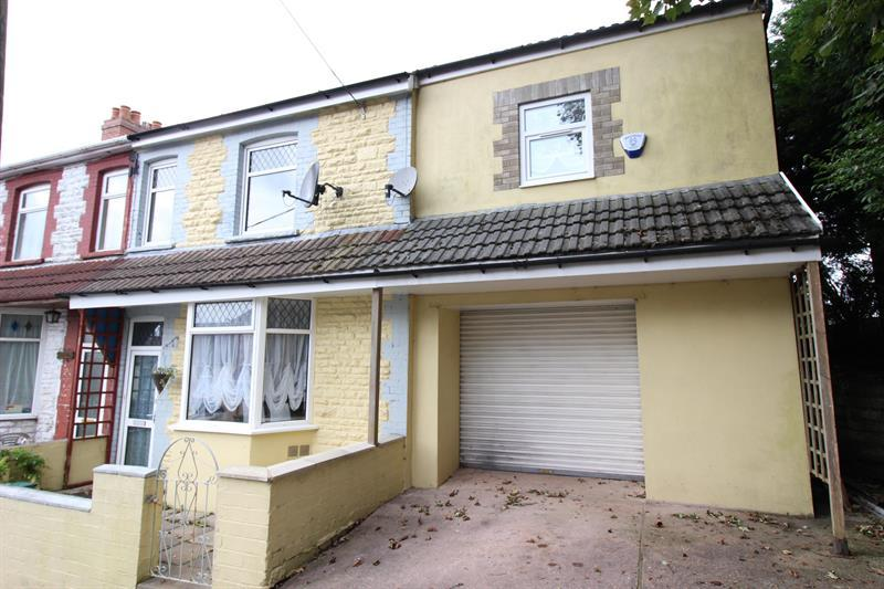 4 Bedrooms End Of Terrace House for sale in Bryngelli Terrace, Abertridwr, Caerphilly