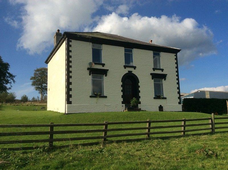 5 Bedrooms Detached House for sale in Trecastle, Brecon, Powys.