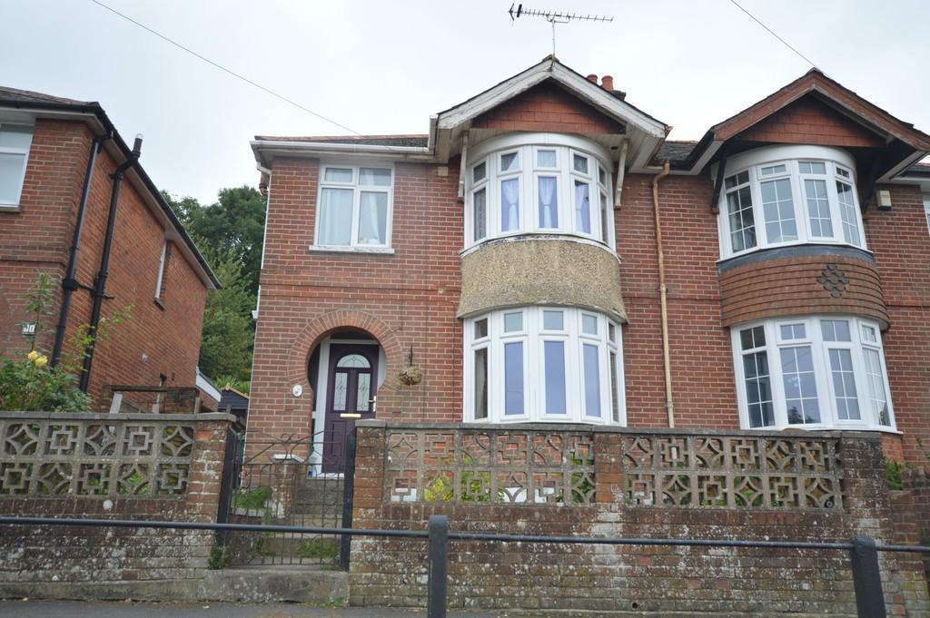 3 Bedrooms Semi Detached House for sale in Whitepit Lane, Newport