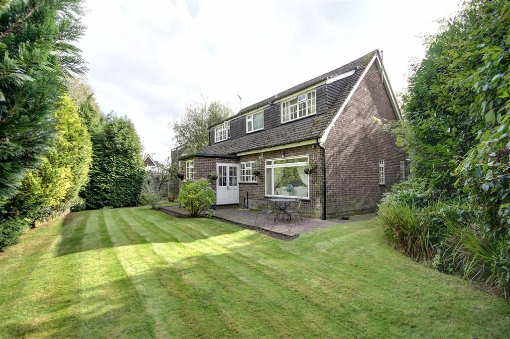4 Bedrooms Detached House for sale in Marlfield Road, Hale Barns, Cheshire