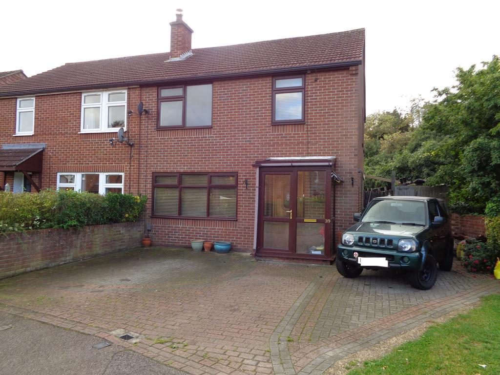 3 Bedrooms Semi Detached House for sale in Hopewell Road, Baldock, SG7 5AA