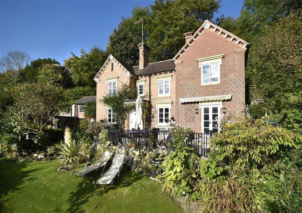 4 Bedrooms Detached House for sale in 28, Church Hill, Ironbridge, Telford, Shropshire, TF8