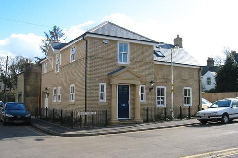 4 bedroom detached house to rent - Priory Street, Cambridge, CB4