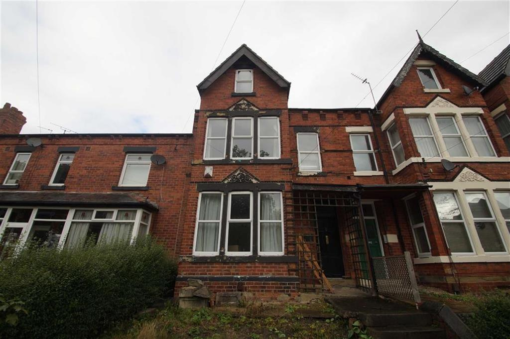 5 Bedrooms Terraced House for sale in Cross Green Lane, Leeds