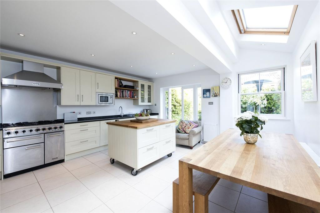 4 Bedrooms Terraced House for sale in Chestnut Grove, Nightingale Triangle, Clapham, London, SW12