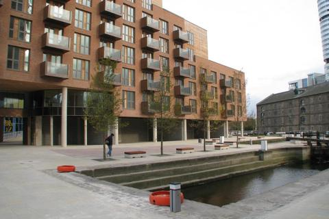 Studio to rent - Watermans Place, Wharf Approach, Leeds, West Yorkshire, LS1