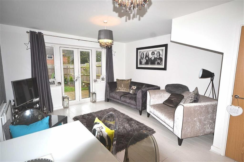 2 Bedrooms Terraced House for sale in Blenheim Square, North Weald, Essex, CM16