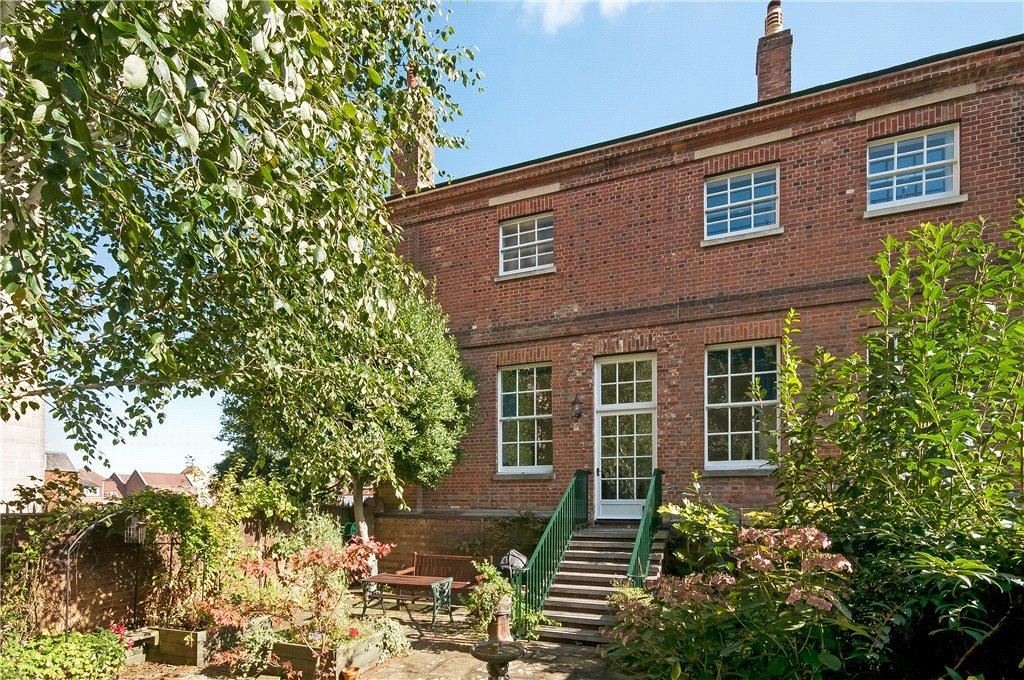 4 Bedrooms End Of Terrace House for sale in Gar Street, Winchester, Hampshire, SO23