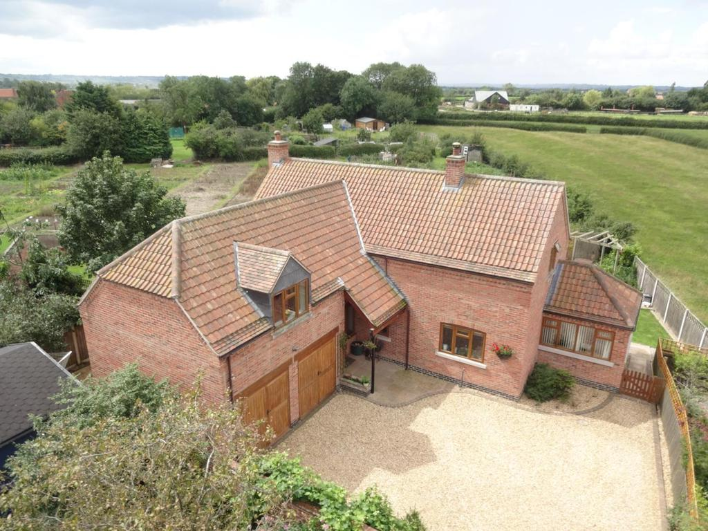 4 Bedrooms Detached House for sale in Langar Lane, Harby