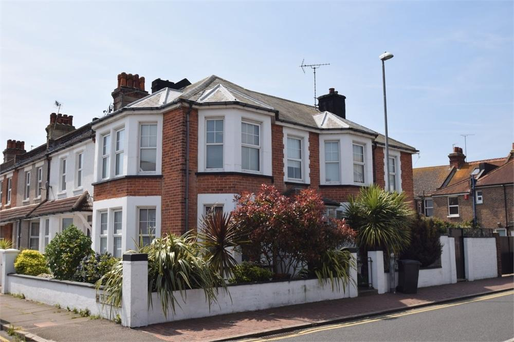 4 Bedrooms End Of Terrace House for sale in Rylstone Road, Redoubt, East Sussex
