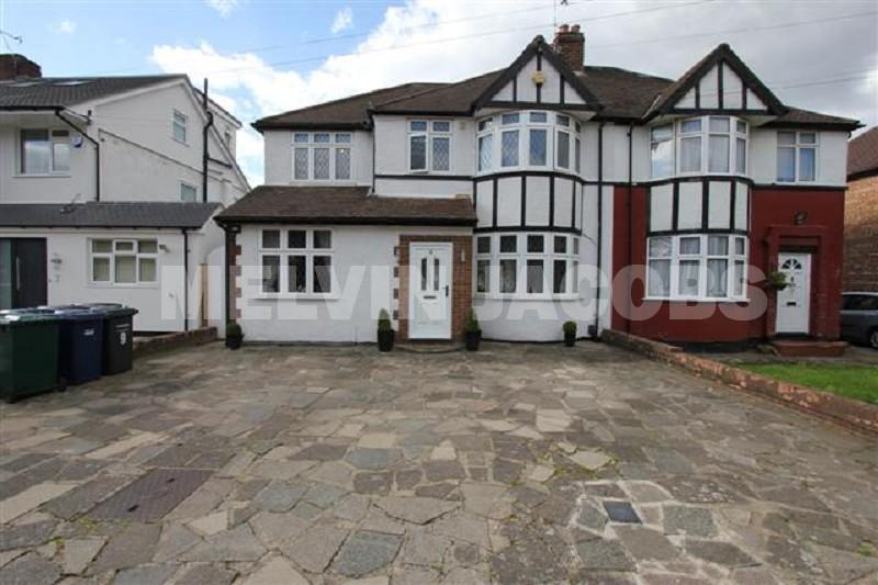 4 Bedrooms Semi Detached House for sale in Cranmer Road, Edgware, Greater London. HA8 8UA