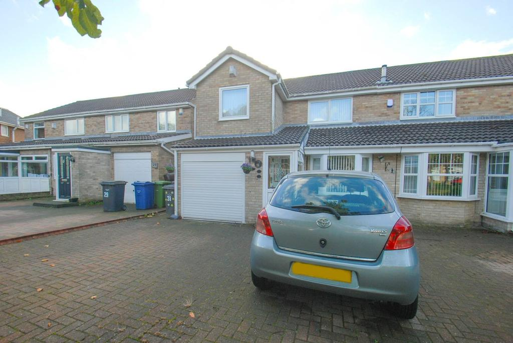 4 Bedrooms Semi Detached House for sale in Basil Way, South Shields