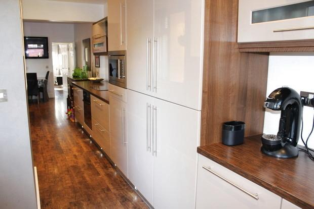 3 Bedrooms Semi Detached House for sale in Skerry Hill, Mansfield, NG18