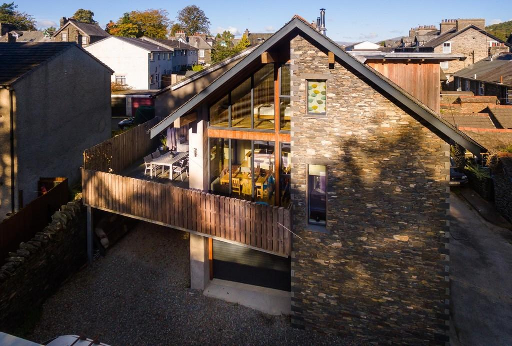 2 Bedrooms Detached House for sale in Oak Howe, Upper Oak Street, Windermere, Cumbria, LA23 2LB