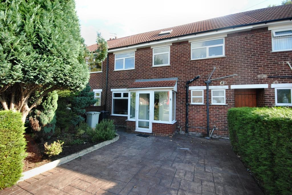 4 Bedrooms Terraced House for sale in Dombey Road, Poynton