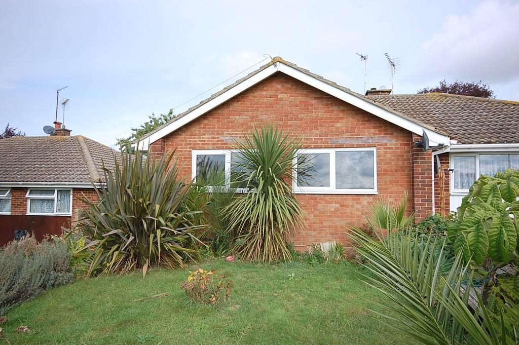 2 Bedrooms Semi Detached Bungalow for sale in Woodrow Chase, Herne, Herne Bay