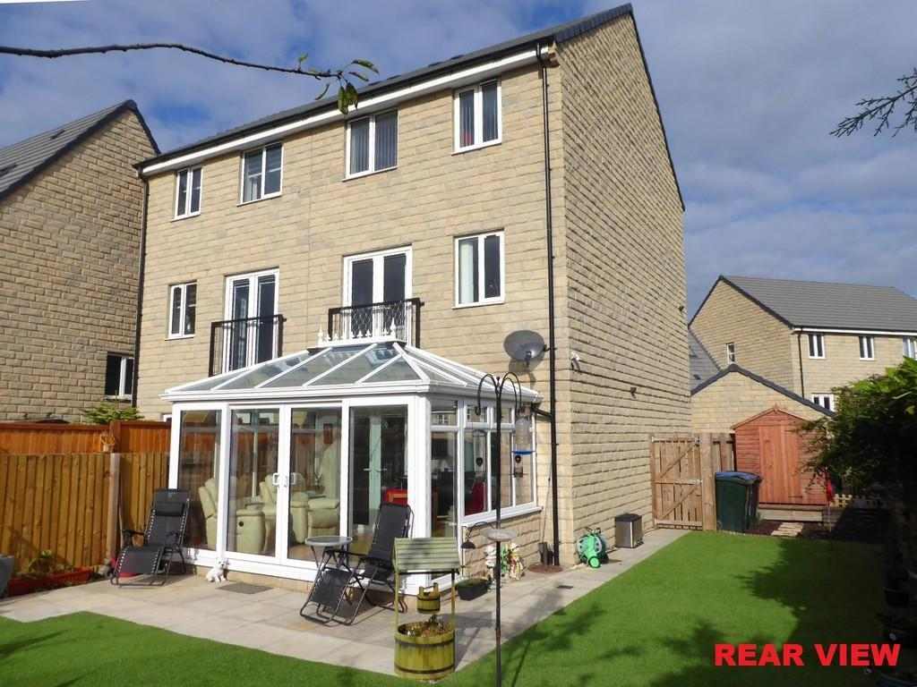 4 Bedrooms Semi Detached House for sale in Mill Race Lane, Laisterdyke, Bradford
