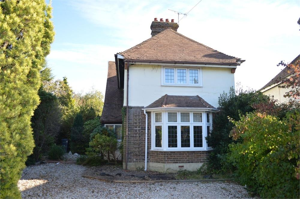3 Bedrooms Detached House for sale in Barnhorn Road, Little Common, Bexhill-On-Sea