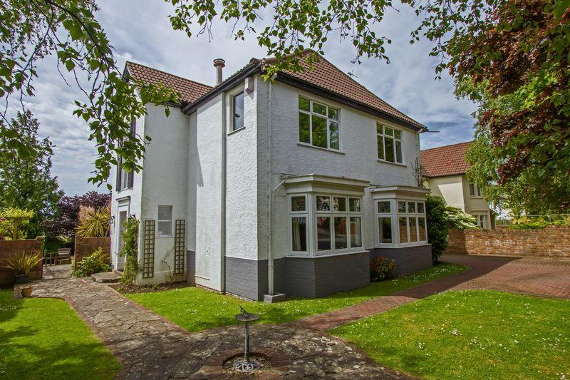 4 Bedrooms Detached House for sale in Clinton Road, Penarth