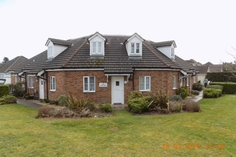 2 bedroom apartment to rent - Manor Avenue, Poole