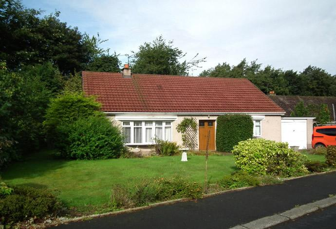 3 Bedrooms Bungalow for sale in 36 Lennel Mount, Coldstream, TD12 4NS