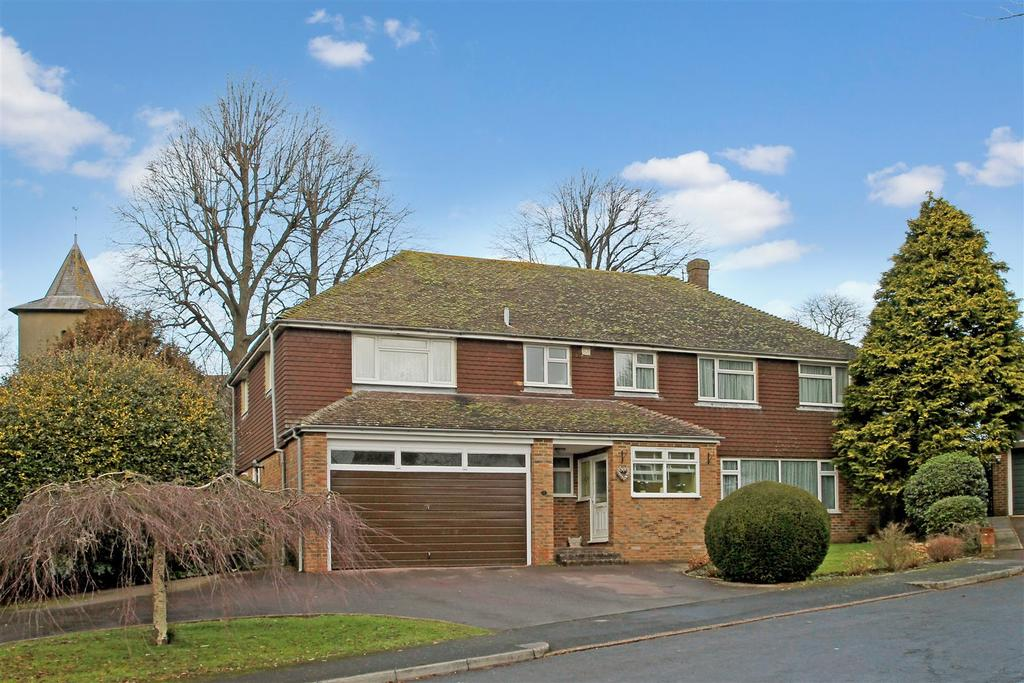 6 Bedrooms Detached House for sale in Ashley Close, Patcham Old Village, Brighton