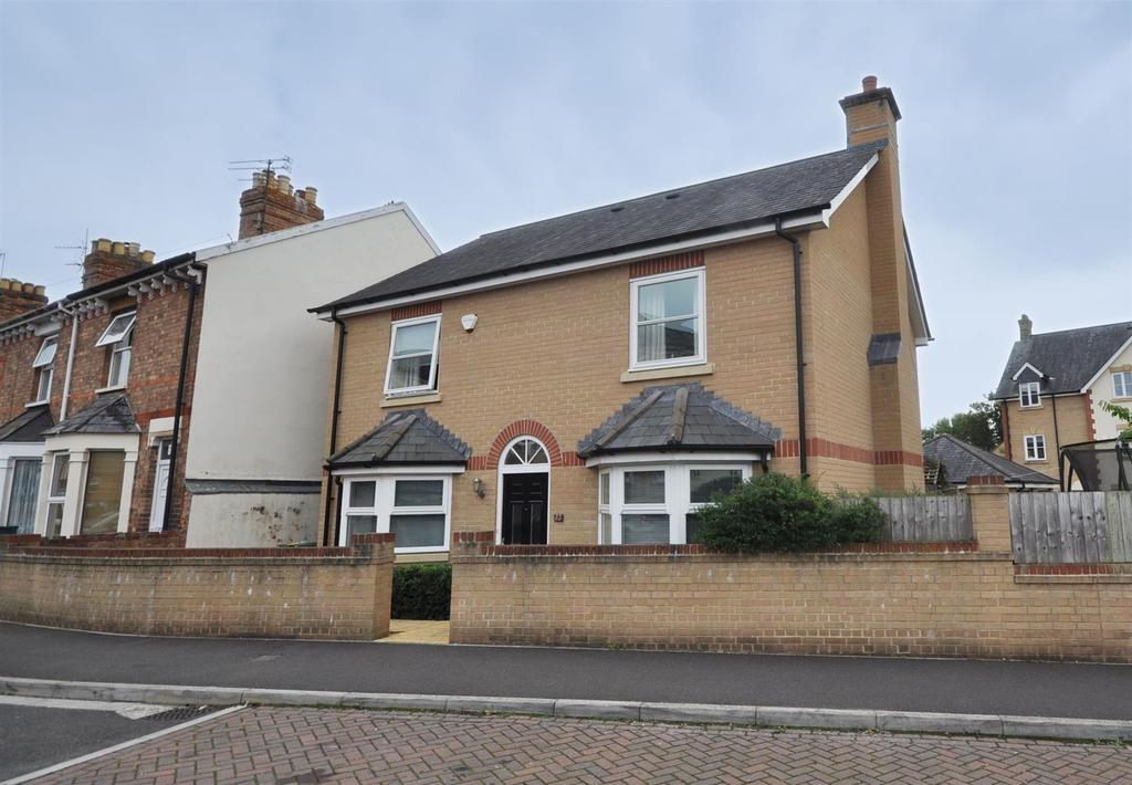 4 Bedrooms Detached House for sale in Richmond Road, Taunton