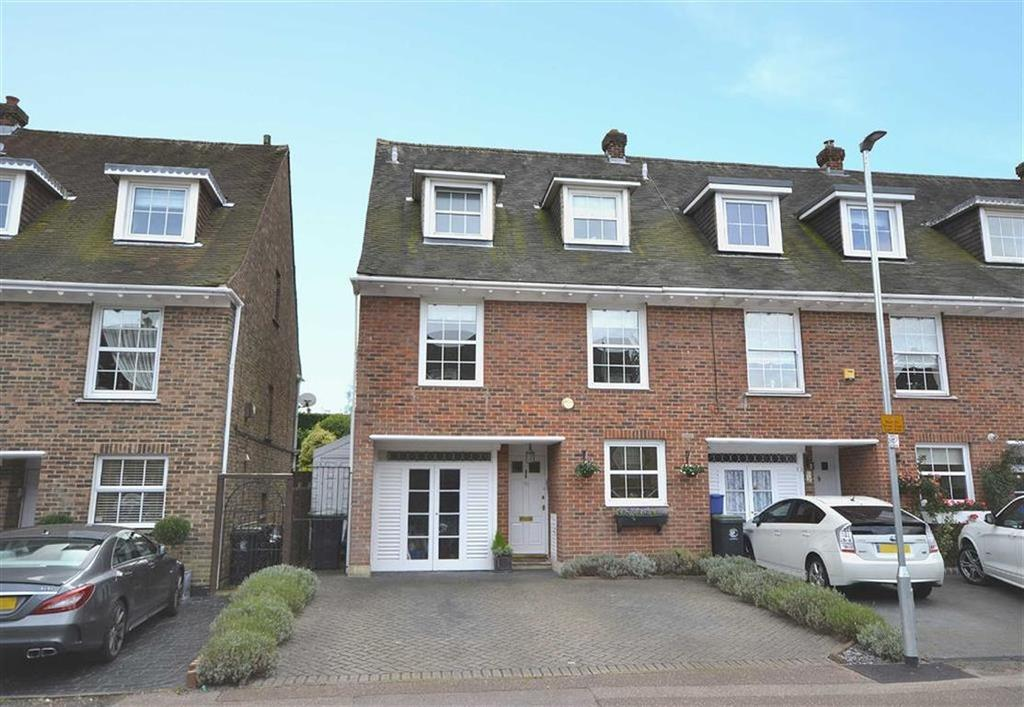 4 Bedrooms End Of Terrace House for sale in Theydon Grove, Epping, Essex, CM16