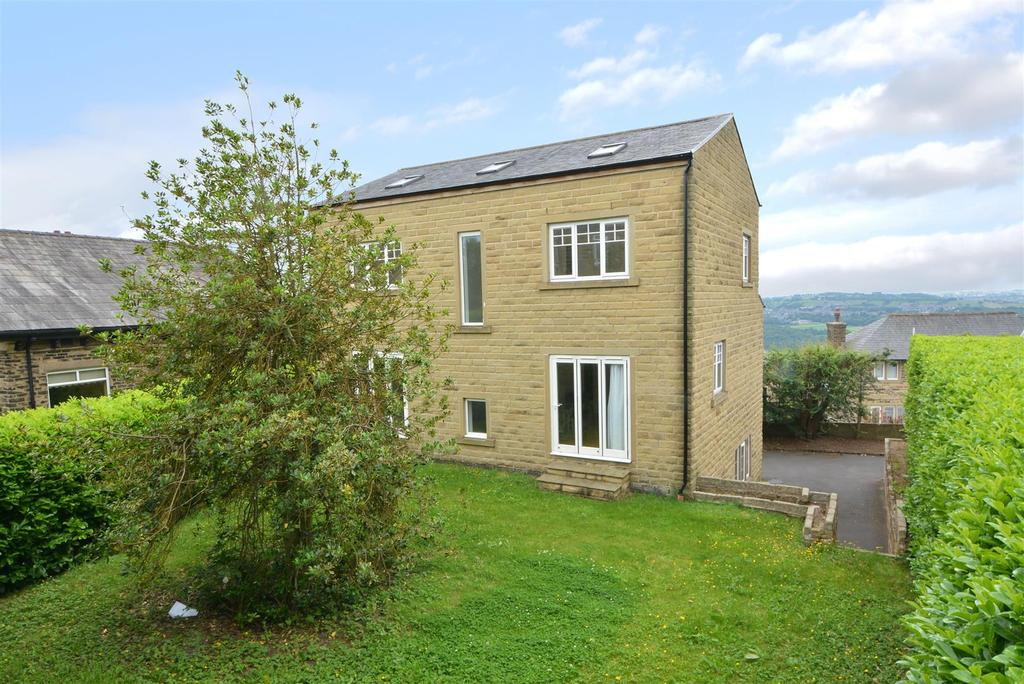 4 Bedrooms Detached House for sale in Town Street, Rawdon
