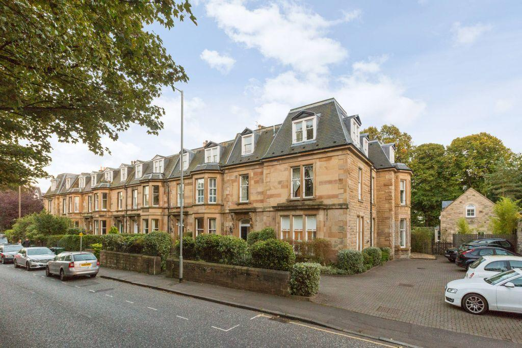 3 Bedrooms Flat for sale in 17/3 Strathearn Place, Edinburgh, EH9 2AL