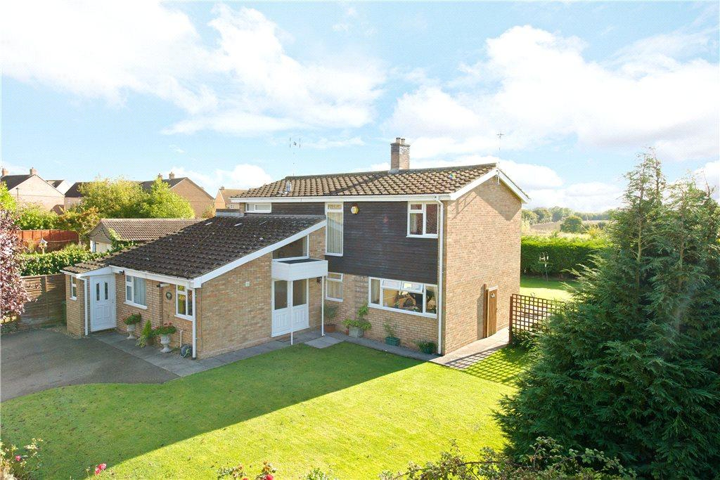 4 Bedrooms Detached House for sale in Park Road, Hartwell, Northamptonshire