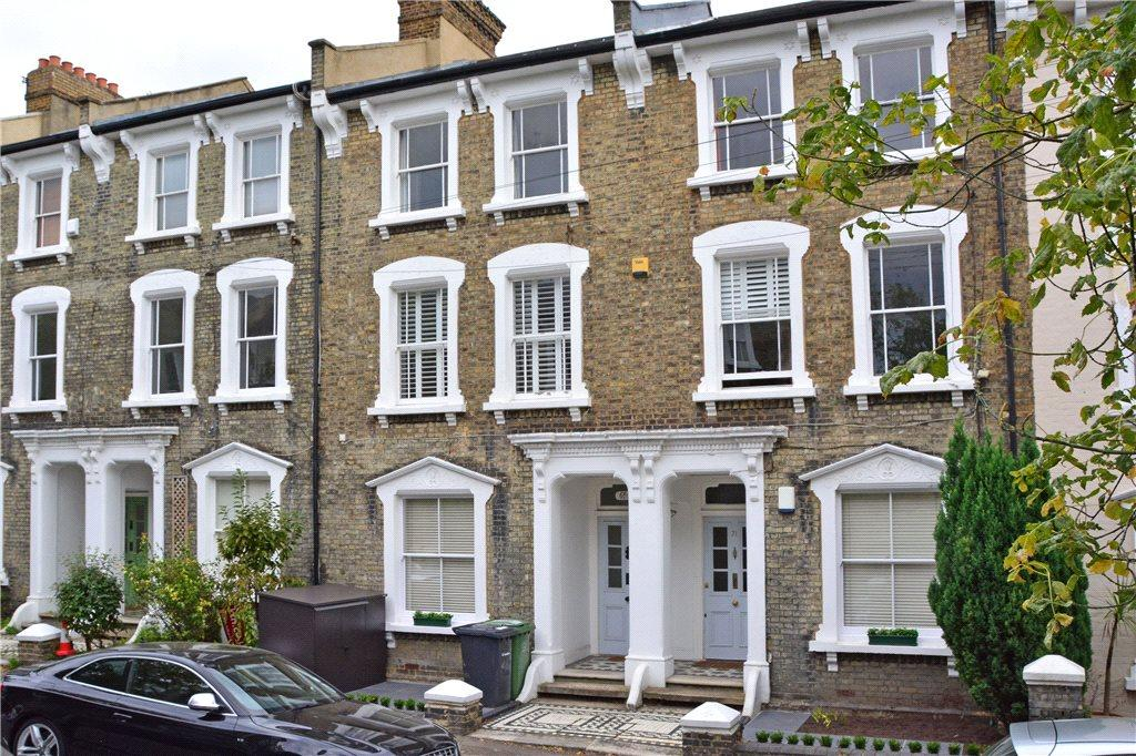 2 Bedrooms Flat for sale in Quentin Road, Lewisham, London, SE13