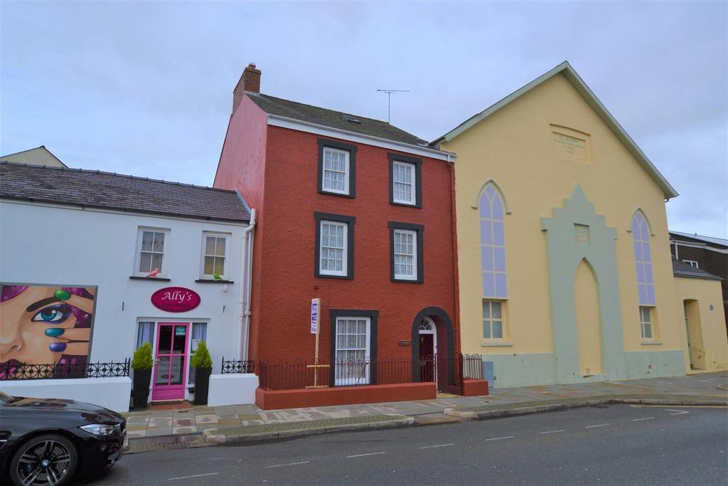 7 Bedrooms Town House for sale in Haverfordwest