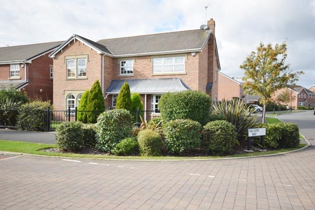 4 Bedrooms Detached House for sale in Victory Boulevard, Lytham, FY8