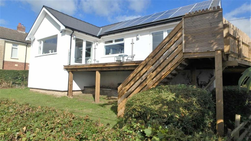 4 Bedrooms Detached Bungalow for sale in Heol-Y-Garreg, Battle, Brecon, Powys