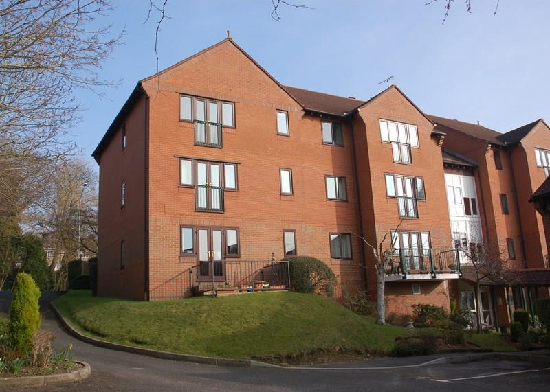 2 Bedrooms Retirement Property for sale in London Road, Uckfield