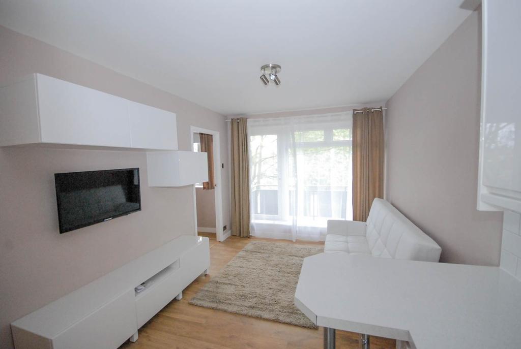 1 Bedroom Flat for sale in Belsay Gardens, Gosforth