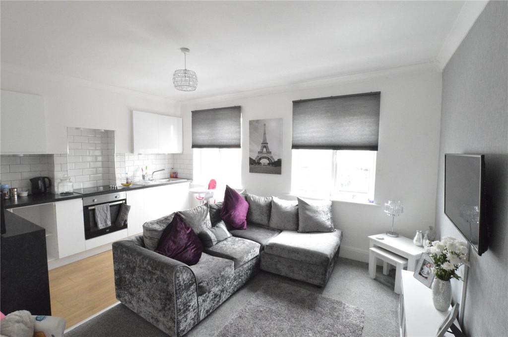 2 Bedrooms Apartment Flat for sale in Blackfen Road, Sidcup, Kent, DA15
