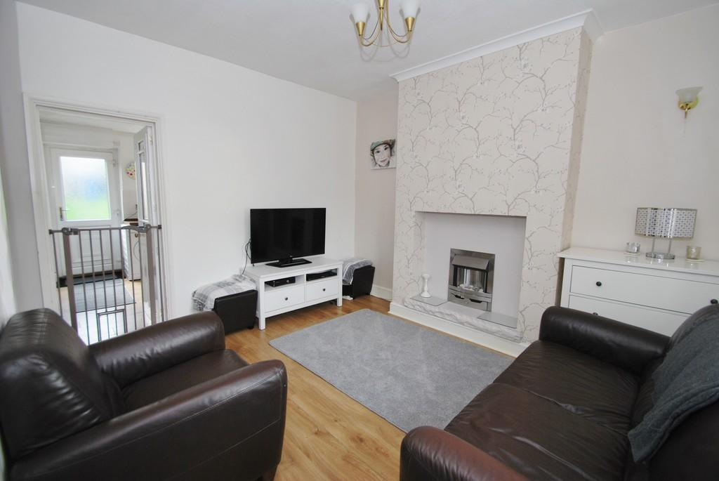 3 Bedrooms Terraced House for sale in Hole House Lane Stocksbridge Sheffield
