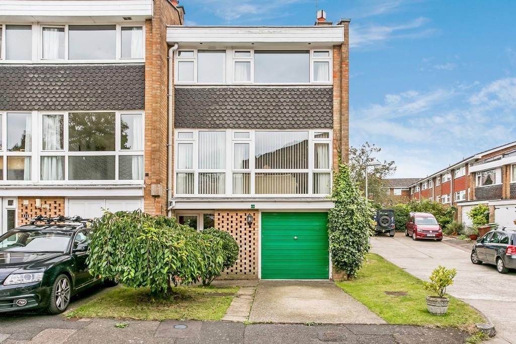 3 Bedrooms End Of Terrace House for sale in Ruscombe Close, Southborough