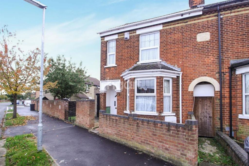 3 Bedrooms Semi Detached House for sale in Old Ford End Road, Bedford, MK40