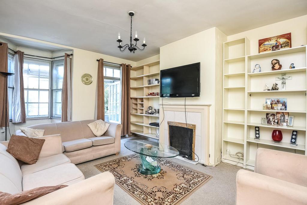 1 Bedroom Flat for sale in Western Avenue, Ealing, W5