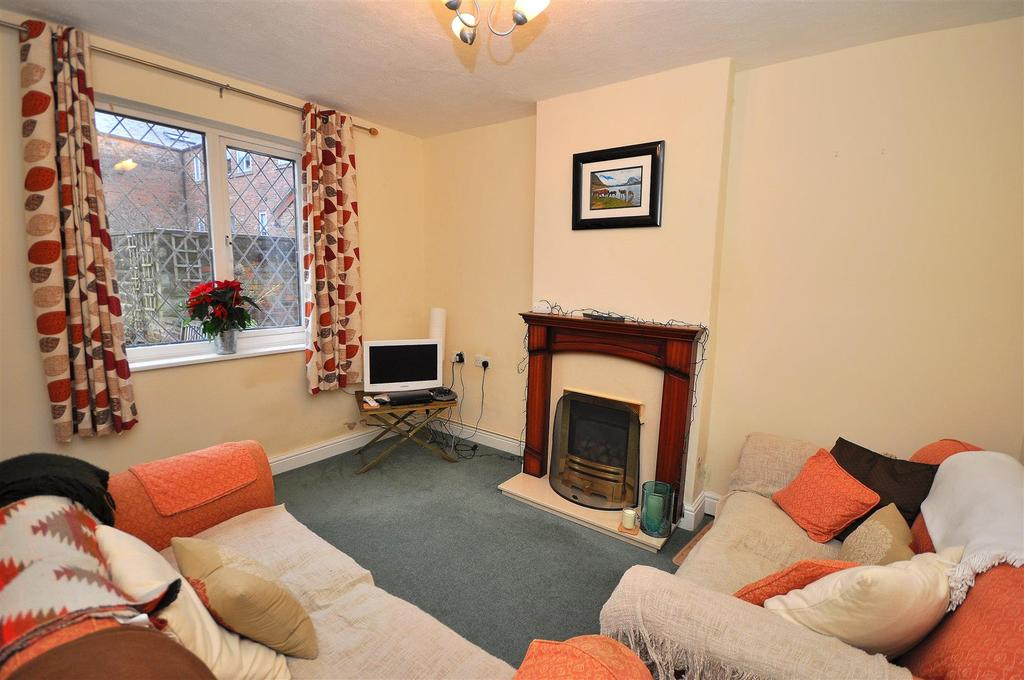 2 Bedrooms Semi Detached House for sale in Barnetts Yard, Thirsk