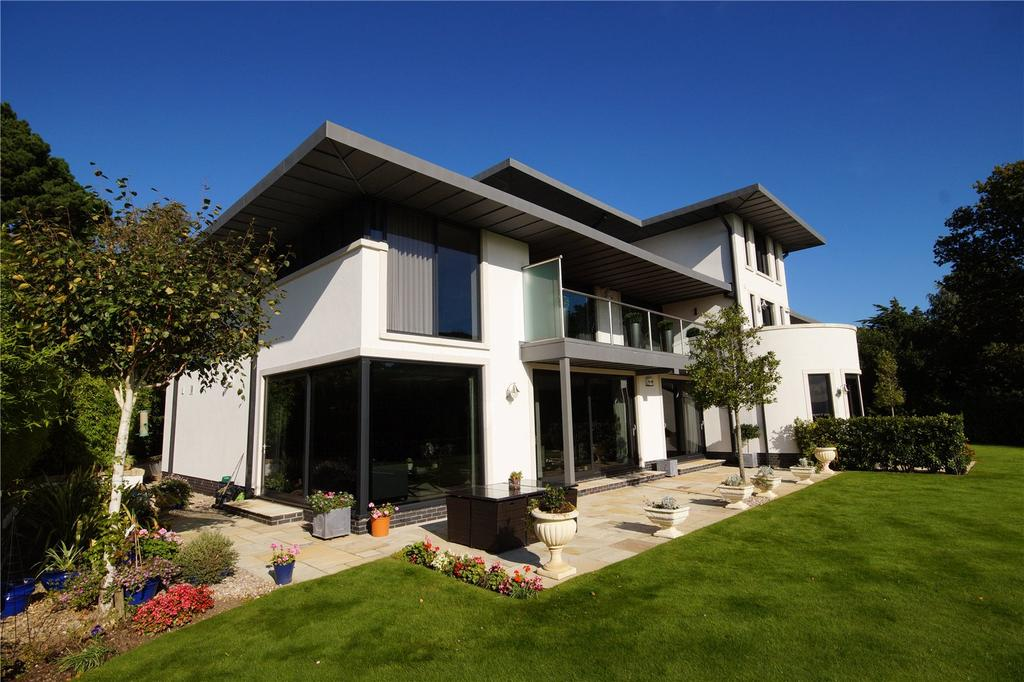 3 Bedrooms Flat for sale in Canford Heights, 6 Haig Avenue, Canford Cliffs, Poole, BH13