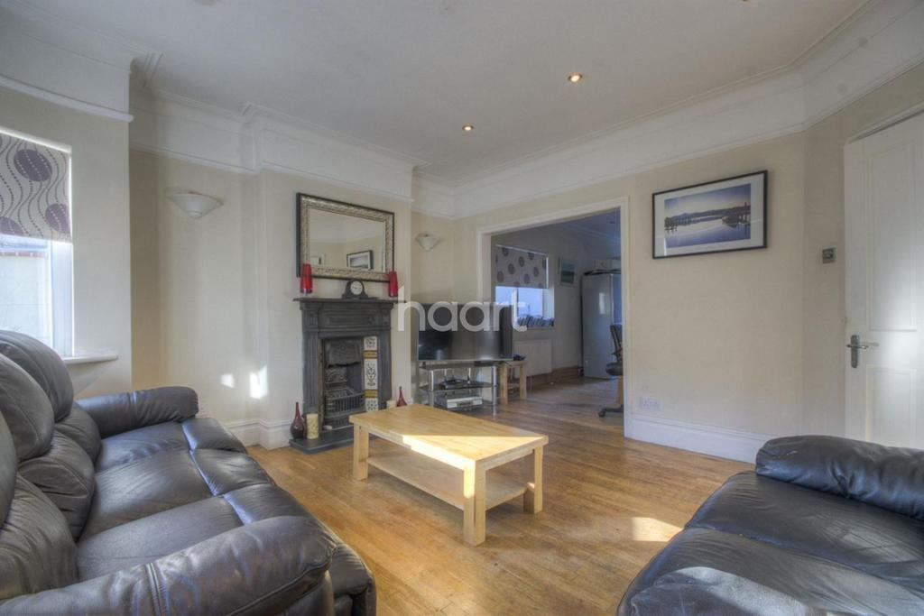 2 Bedrooms Bungalow for sale in Winston Avenue, NW9