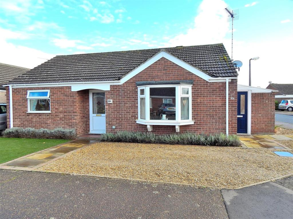 2 Bedrooms Detached Bungalow for sale in Nourse Drive, Heacham, King's Lynn