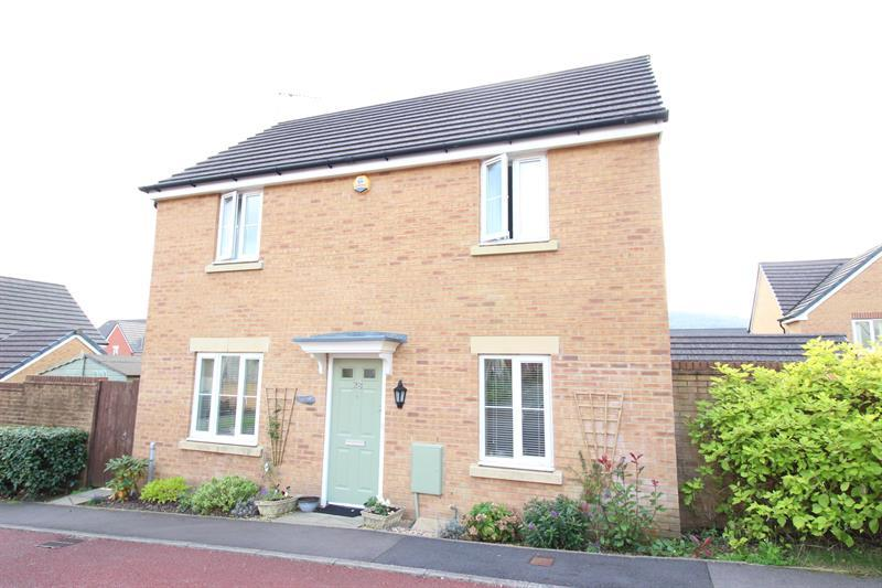 3 Bedrooms Detached House for sale in Knights Walk, Caerphilly