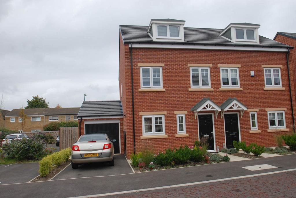 3 Bedrooms Semi Detached House for sale in Harton Court, South Shields