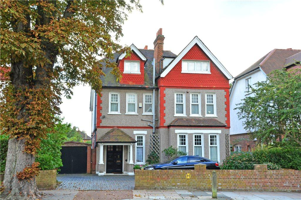 7 Bedrooms Detached House for sale in West Park, London, SE9